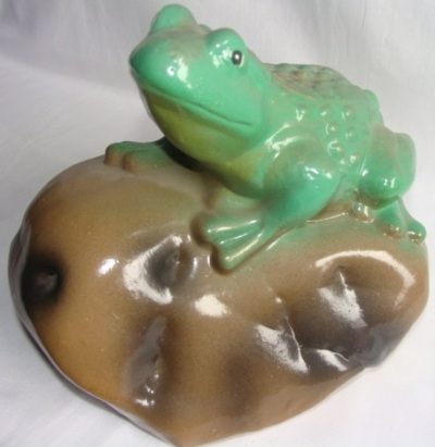 Статуэтка фигурка для сада «Лягушка на камне»
