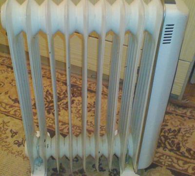 Масленный радиаторы 2 кВт Германия купить Б/У не дорого 1 шт(расчитан на 20 м кв)